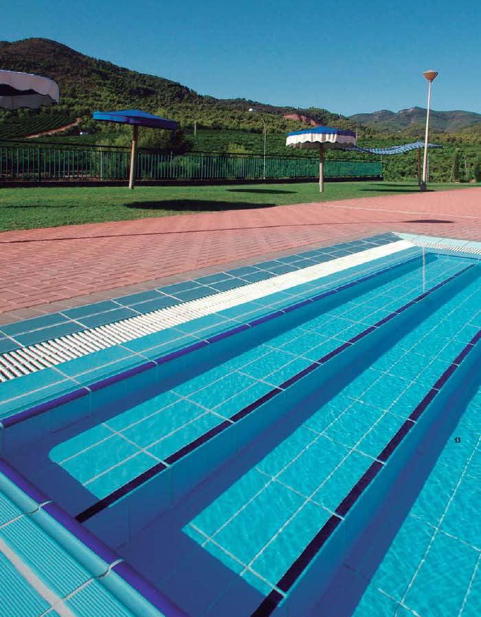 Pavimentos exteriores y soluciones para coronamiento de for Pavimentos para piscinas exteriores