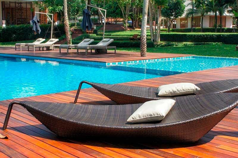5 Tips para integrar correctamente la piscina en el jardín este verano